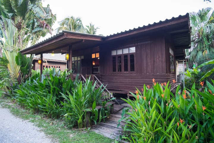 Lotus Village: Family house