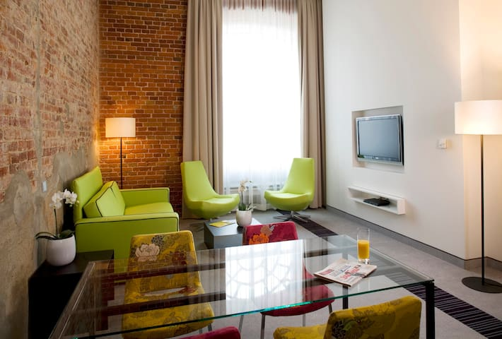 One -level Suite