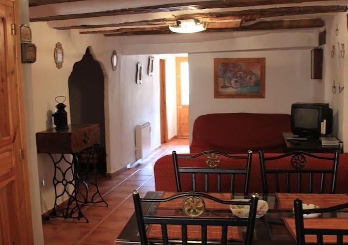 Puebla de San Miguel的民宿