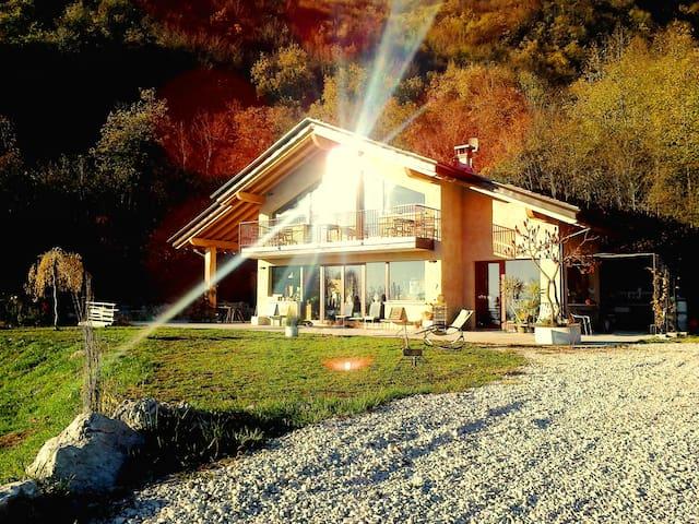 B&Basinochevola..relax&light! GARDA