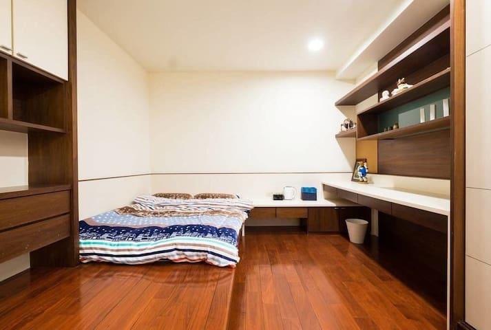♡幸福豪摘♡二樓暖暖溫馨雙人房,設有停車位廚房wifi