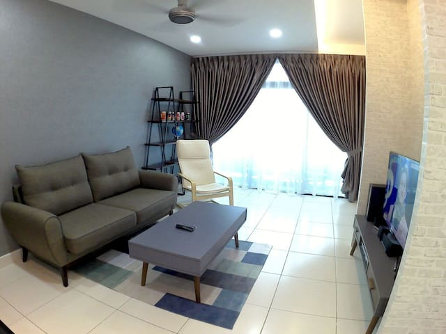 Cher's 1BR Cozy Apartmnt-Johor Bahru Setia Tropika