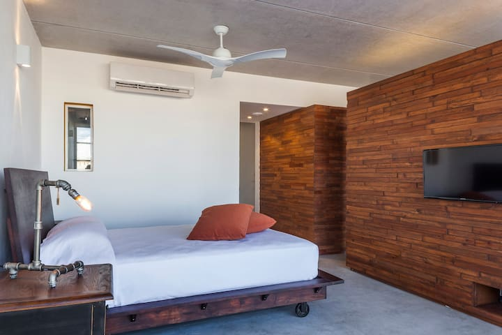 amazing suite in the heart of playa (madison suite