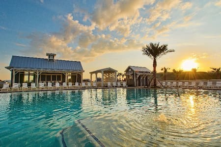 Waters Edge Luxury Beach Retreat at Cinnamon Shore