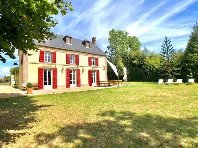 Saint-Ouen-de-Sécherouvre的民宿