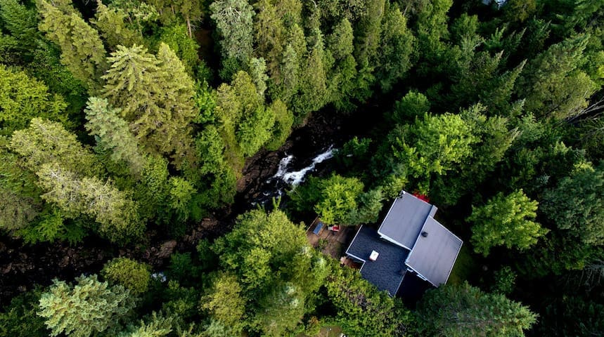 Family cosy house in nature/waterfall, CITQ 300025