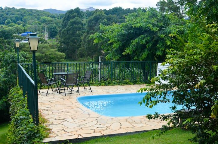 Jardim Estancia Brasil的民宿