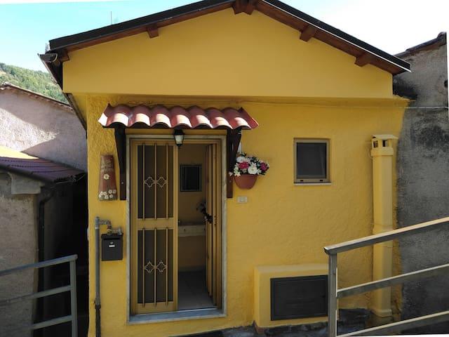 Sasso di Castalda的民宿