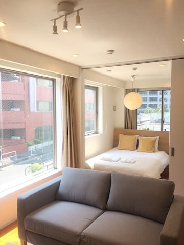 Contemporary 1BR, Midtown Roppongi / 301