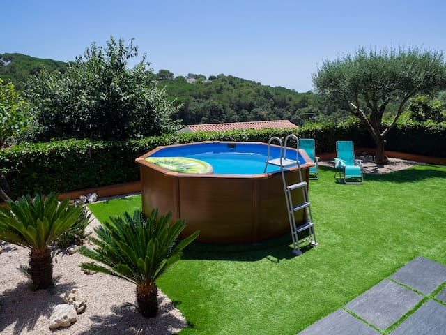 PRIVATE AND QUIET HOUSE CLOSE TO LLORET BEACH+POOL