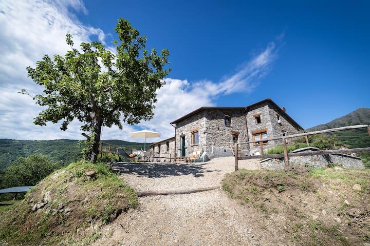San Colombano Certenoli的民宿
