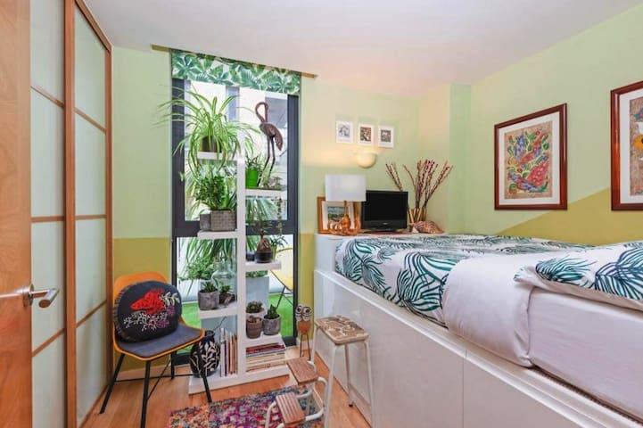 Gorgeous garden facing double bed & private bathrm
