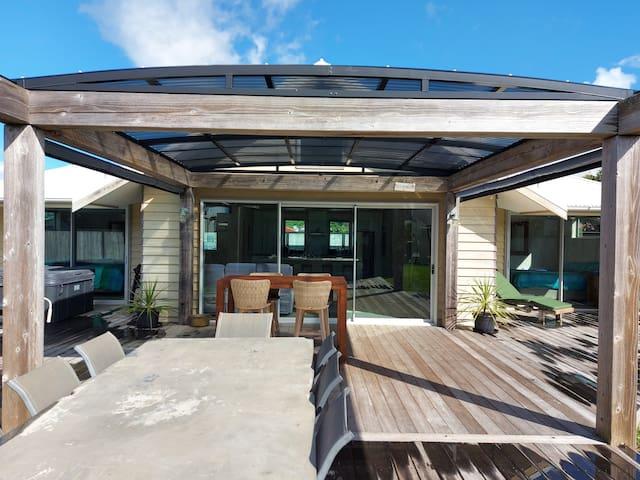 怀希海滩(Waihi Beach)的民宿
