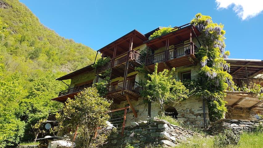 Montescheno的民宿