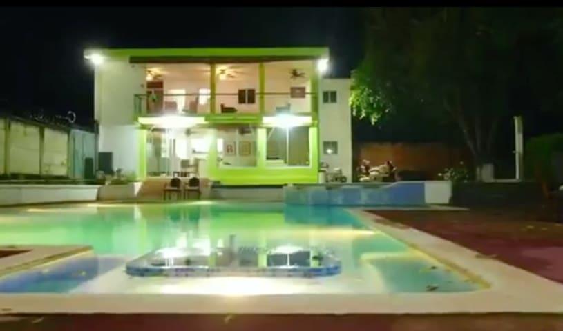 Laguna de Apastepeque的民宿