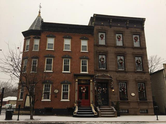 Majestic Lander Stewart Mansion on the Delaware
