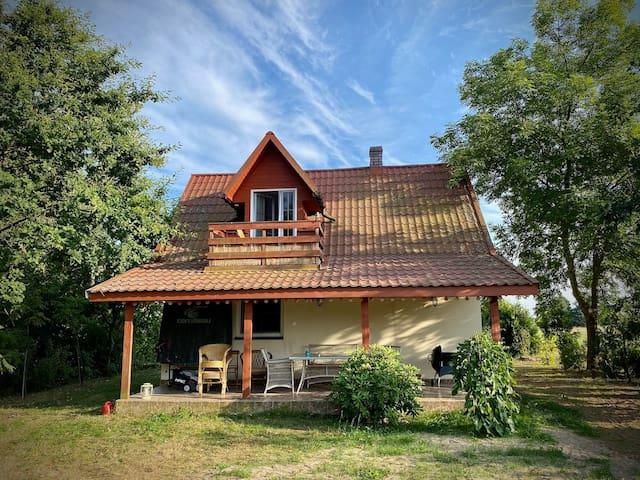 07-140 Zarzetka的民宿