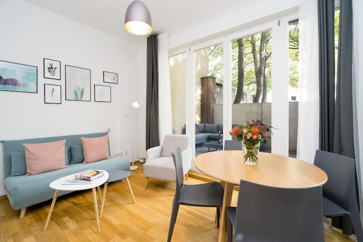 Bright and modern apartment in great city location