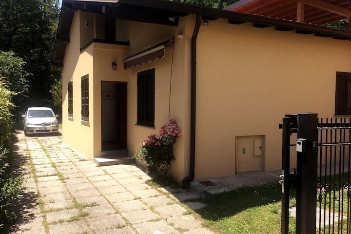 Cesano Maderno的民宿