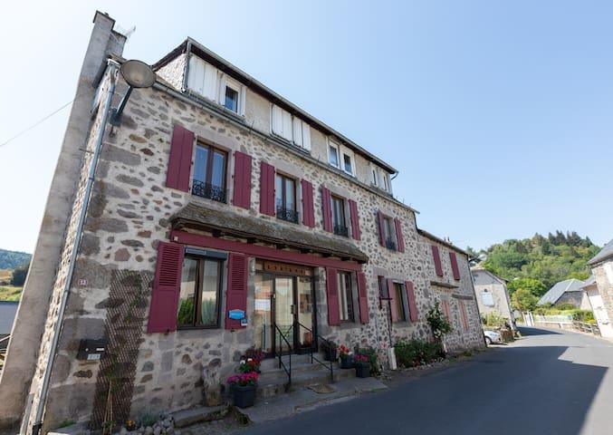 Albepierre-Bredons的民宿