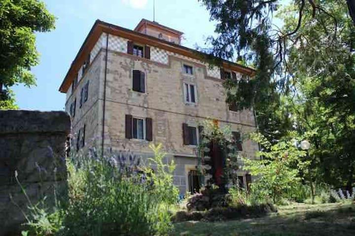 Grizzana Morandi的民宿