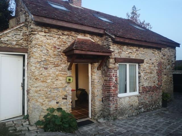 Boissy-le-Châtel的民宿
