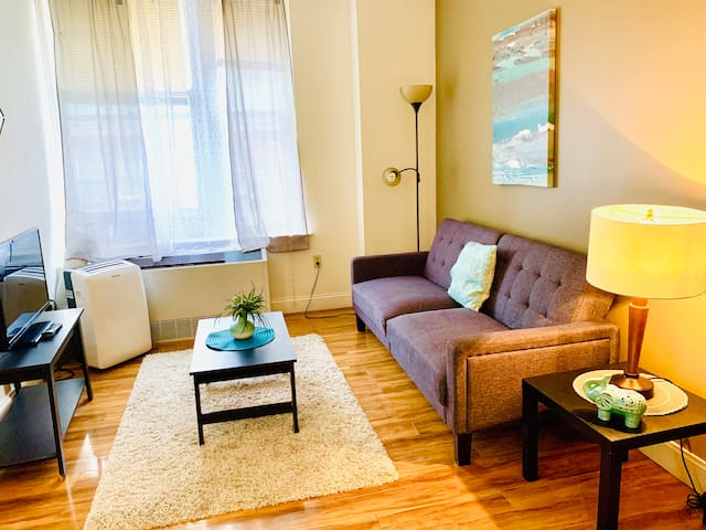 Central Downtown Living - WiFi and City Views!