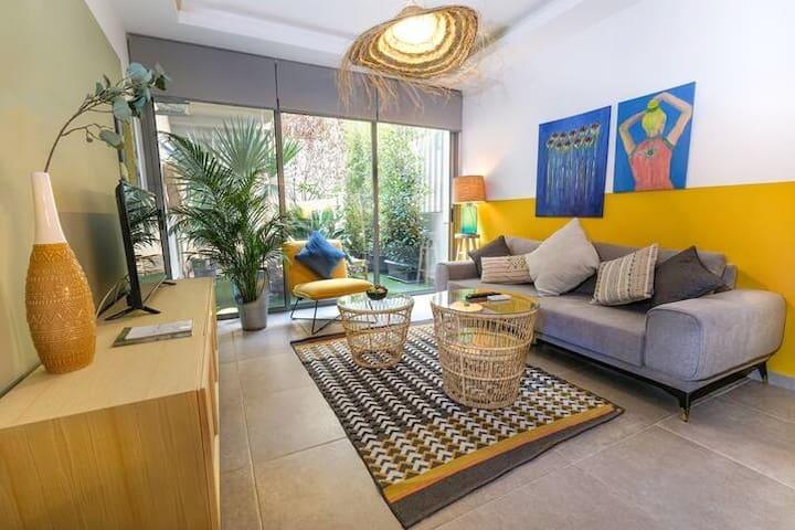 ★ Balinese 1-Bedroom Apartment in Hazmieh