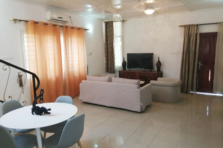 Bangui的民宿