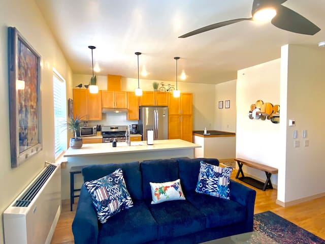 New Historic Downtown Front Street Condo Remodel!