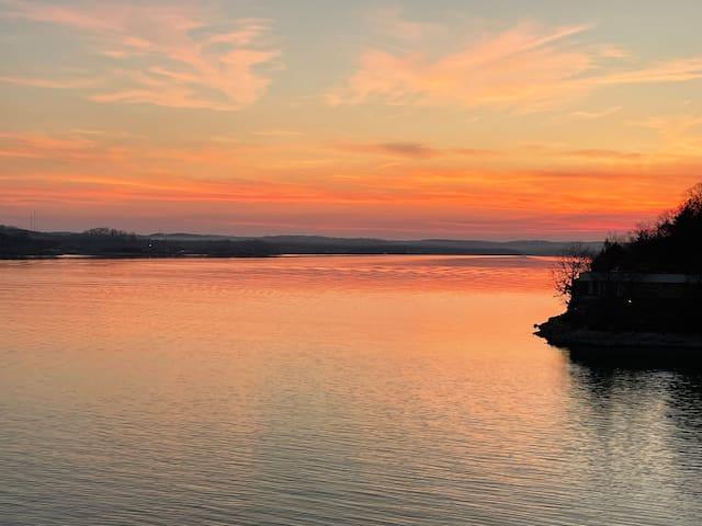 Lake Ozark, Village of Four Seasons的民宿
