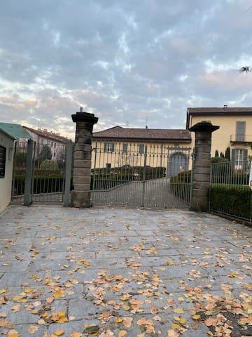 Casatenovo的民宿