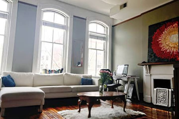 Historic Downtown Loft No Cleaning Fee!