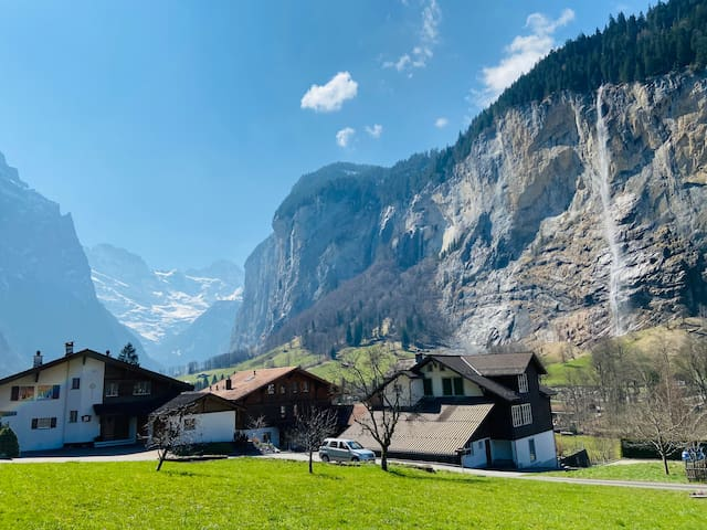 卢达本纳(Lauterbrunnen)的民宿