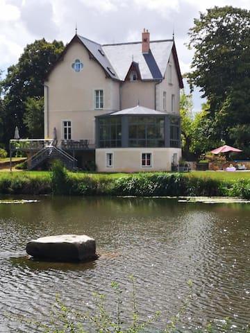 La Chapelle-d'Aligné的民宿