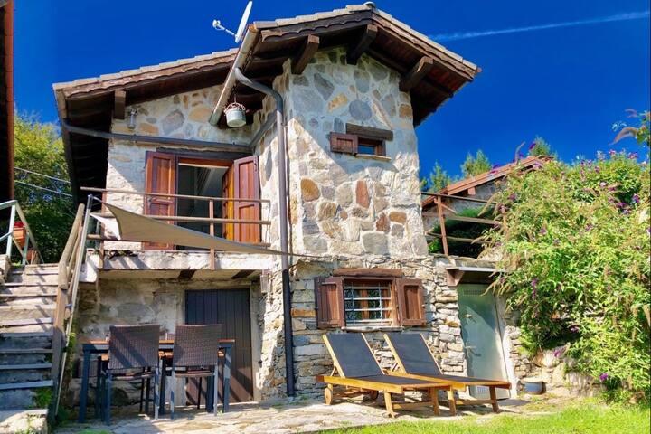 Tronzano Lago Maggiore的民宿