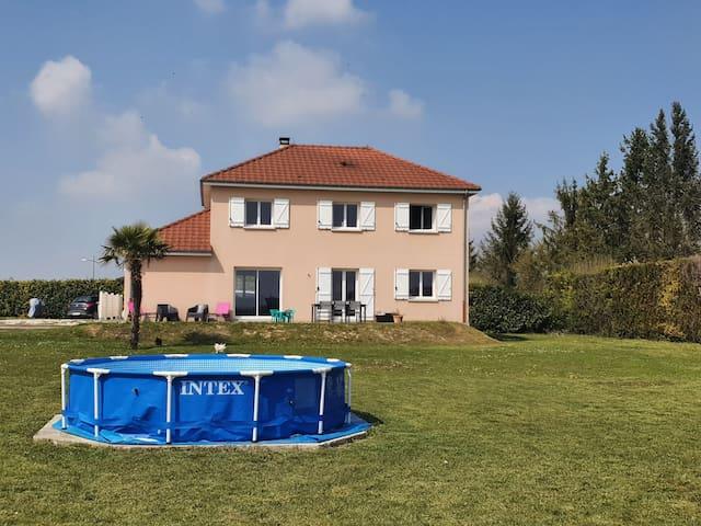Longueville-sur-Aube的民宿