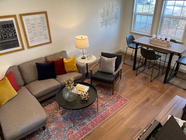 CDA's Romantic Red Door Retreat at Midtown