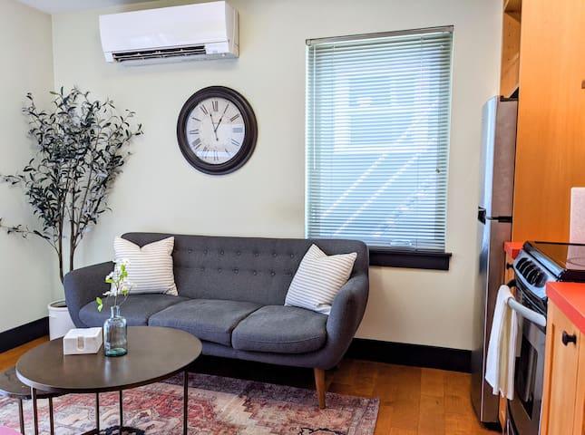 Perfect Hawthorne Micro Apartment Near Everything