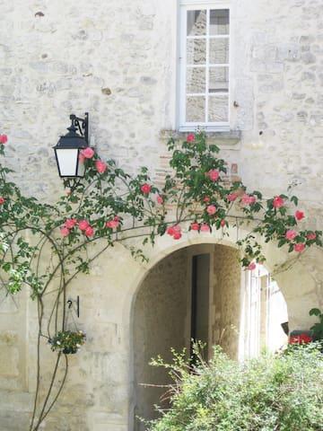 Villebois-Lavalette的民宿