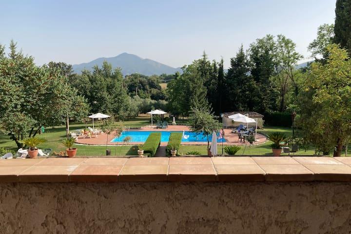 Castel di Sasso的民宿