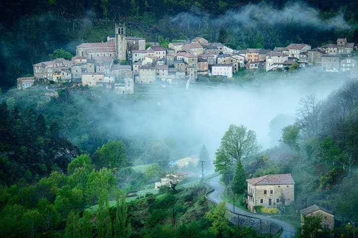 Vallées-d'Antraigues-Asperjoc的民宿