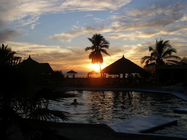 Playa Novillero的民宿