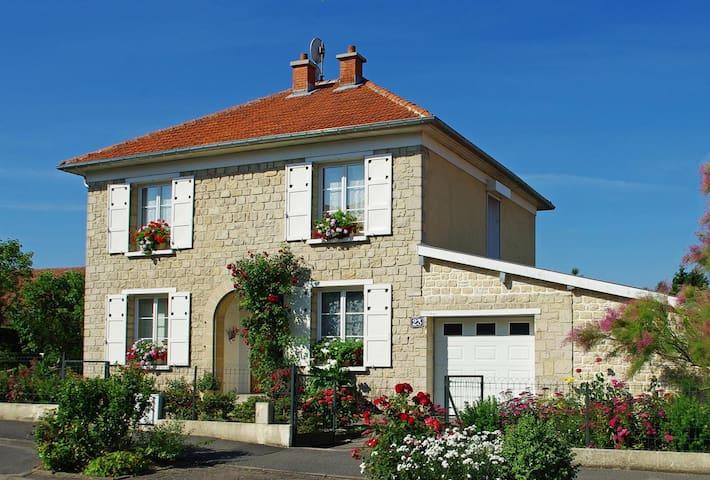 Sainte-Menehould的民宿