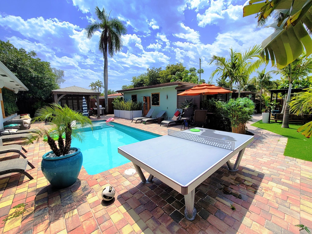 Villa with Heated Pool, Laundry, Ping Pong & More