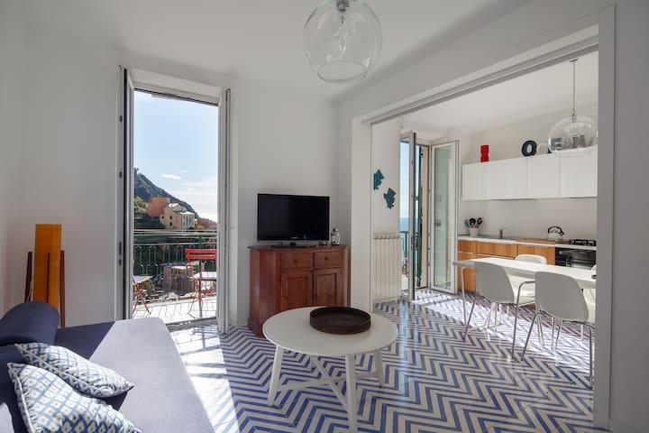 Casa San Giovanni, Sea View, Balcony, Free Garage.