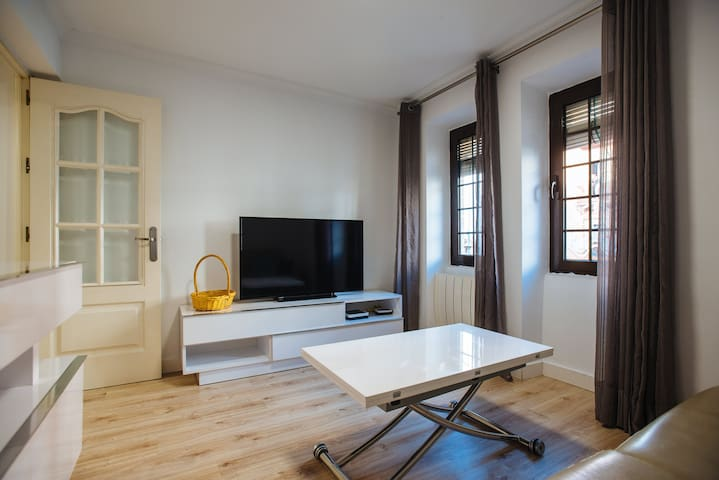 Apartment in City Center. 2 rooms. 2 to 5 persons.