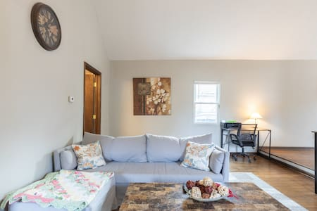 Clean and Cozy Tremont Home w/ Off Street Parking
