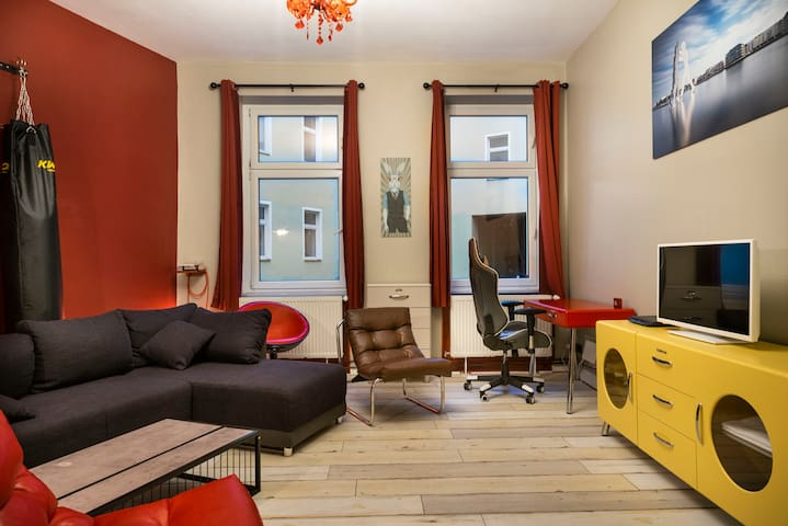 Powerful Apartment in Berlin Alexanderplatz