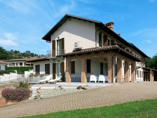 Castell'Alfero的民宿